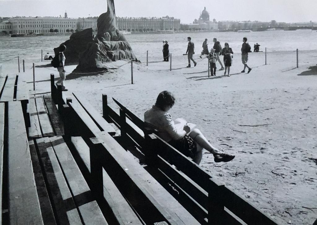 Ali sketching in St Petersburg, Russia
