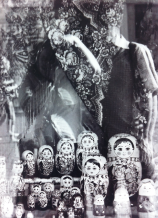Shop-window selfie, with Mark and Russian dolls, in Moscow